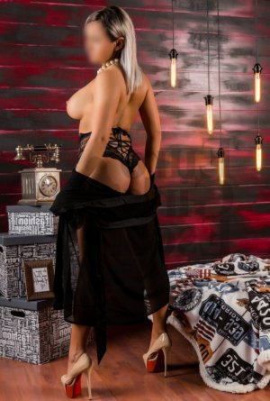Iloane nuru massage in Aberdeen