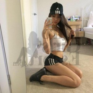Tinaig thai massage and call girl
