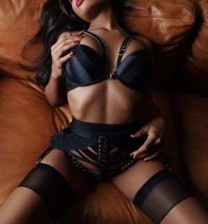 Fabienne live escorts & thai massage
